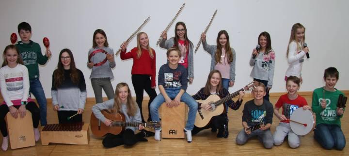 """""""Youngstars"""" erobern die Bühne – Kreativabend der NMS Rainbach i.M."""
